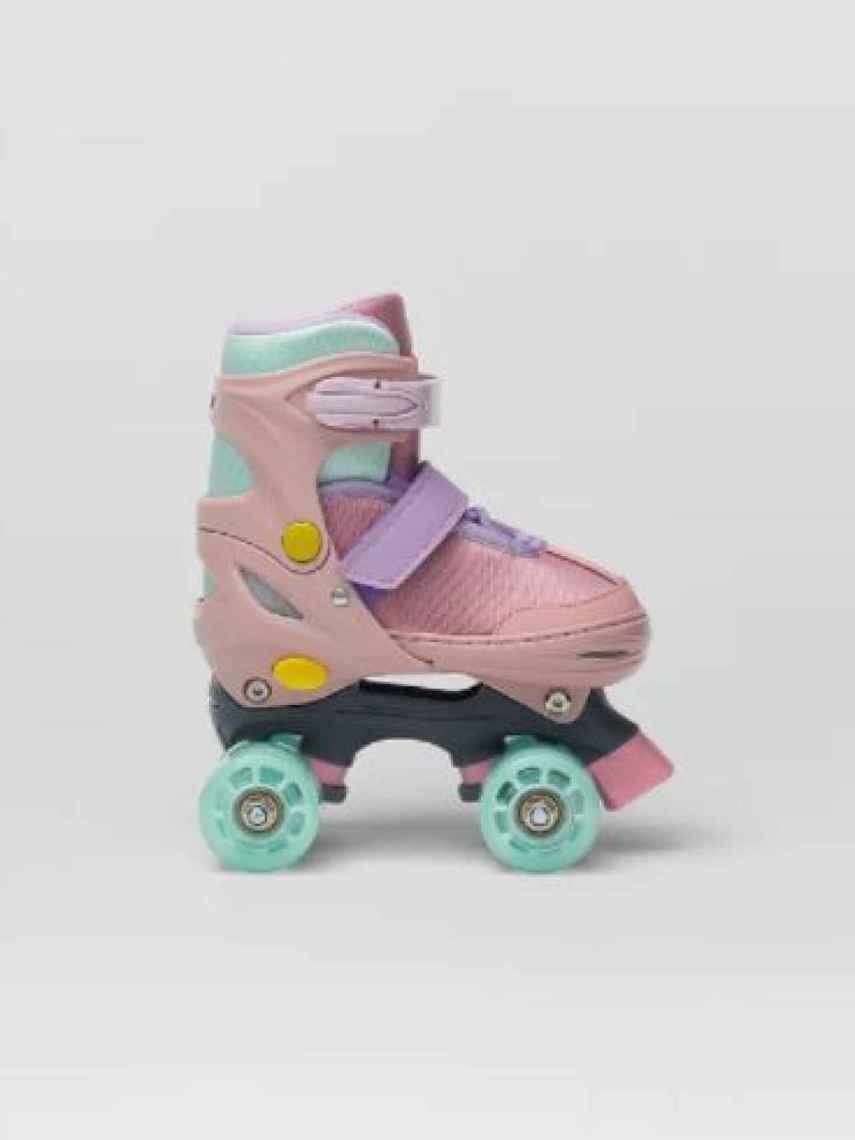 Zara ha apostado por unos patines con los colores en tendencia.