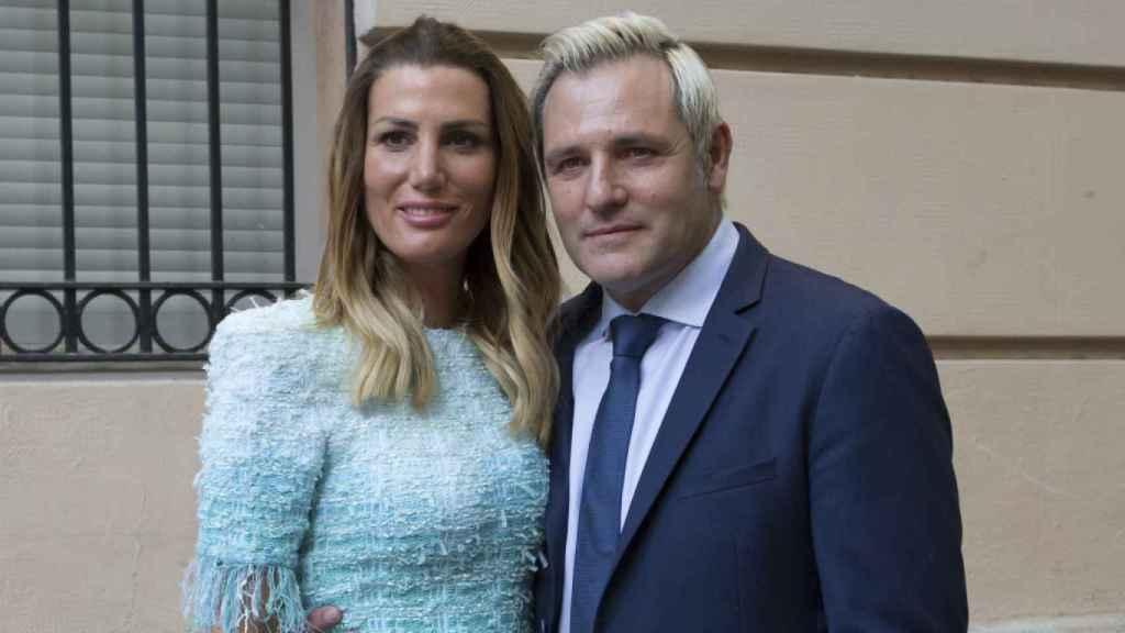 Mayte García y Santiago Cañizares en la primera comunión de su hija.
