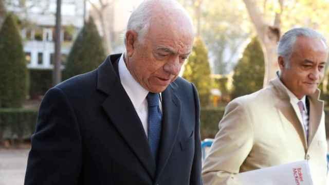 Francisco González y su defensor, Jesús Santos, en una imagen de archivo./