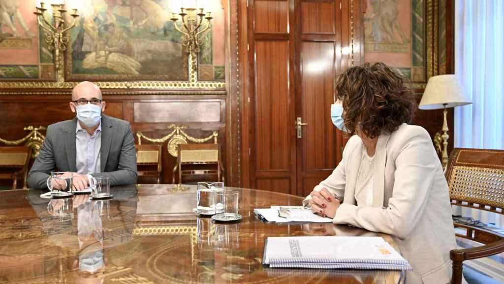 Nacho Álvarez  y María Jesús Montero, en la negociación de los Presupuestos 2021.