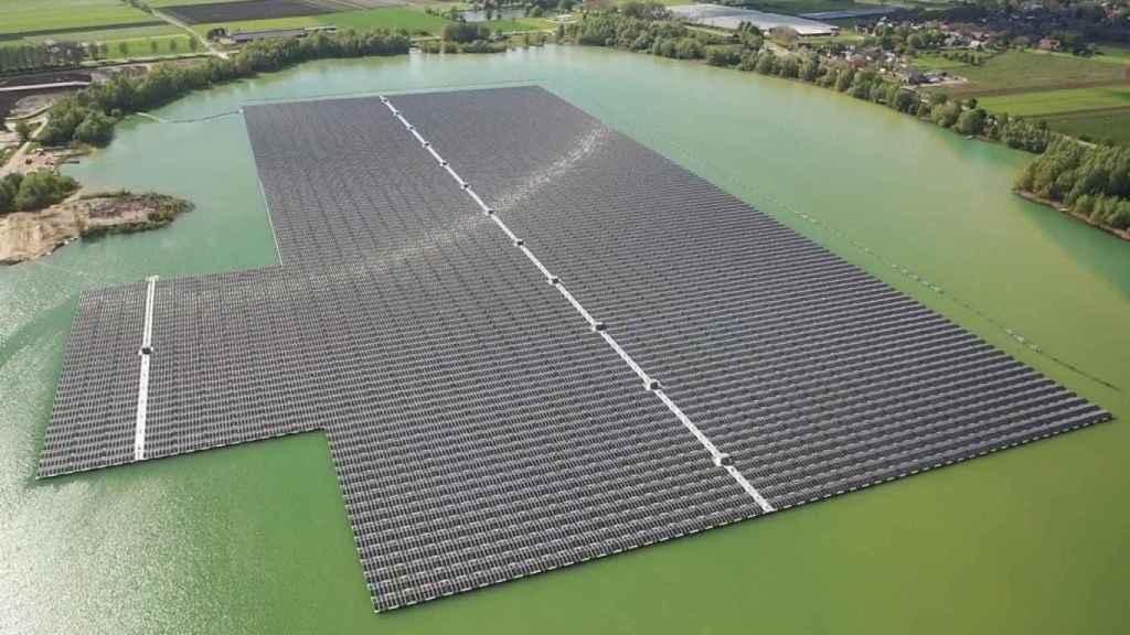 La alemana BayWa r.e. apuesta por España para liderar la fotovoltaica flotante