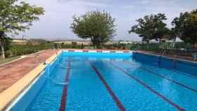 Foto de archivo de una piscina en la provincia malagueña