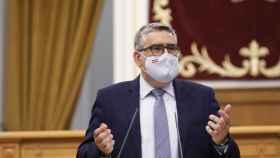 El diputado del PP Miguel Ángel Rodríguez durante su intervención en el Pleno de las Cortes de Castilla-La Mancha