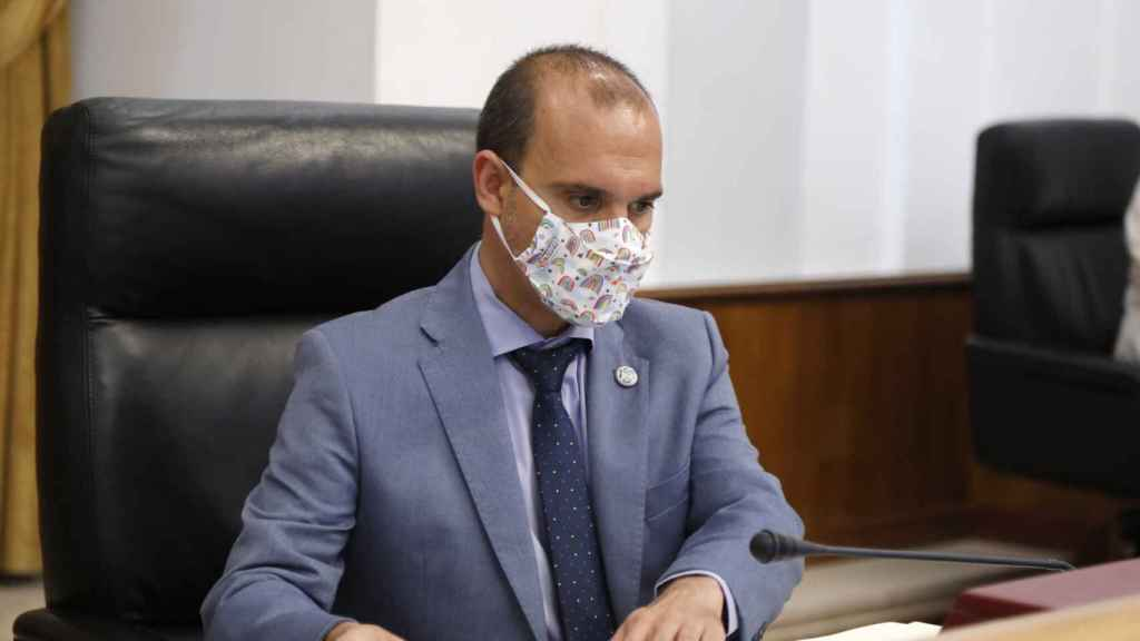 Pablo Bellido, presidente de las Cortes, en un momento del pleno