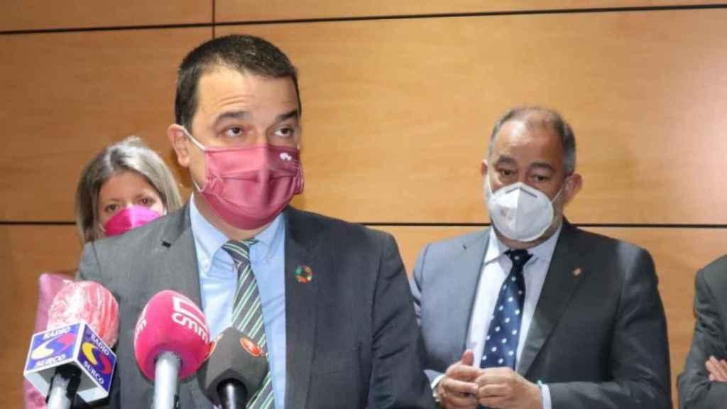 Francisco Martínez Arroyo y Julián Garde en un acto en Tomelloso