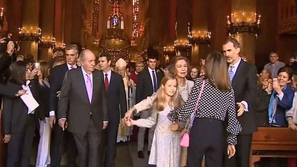El tenso momento entre Letizia y la reina Sofía en Mallorca.