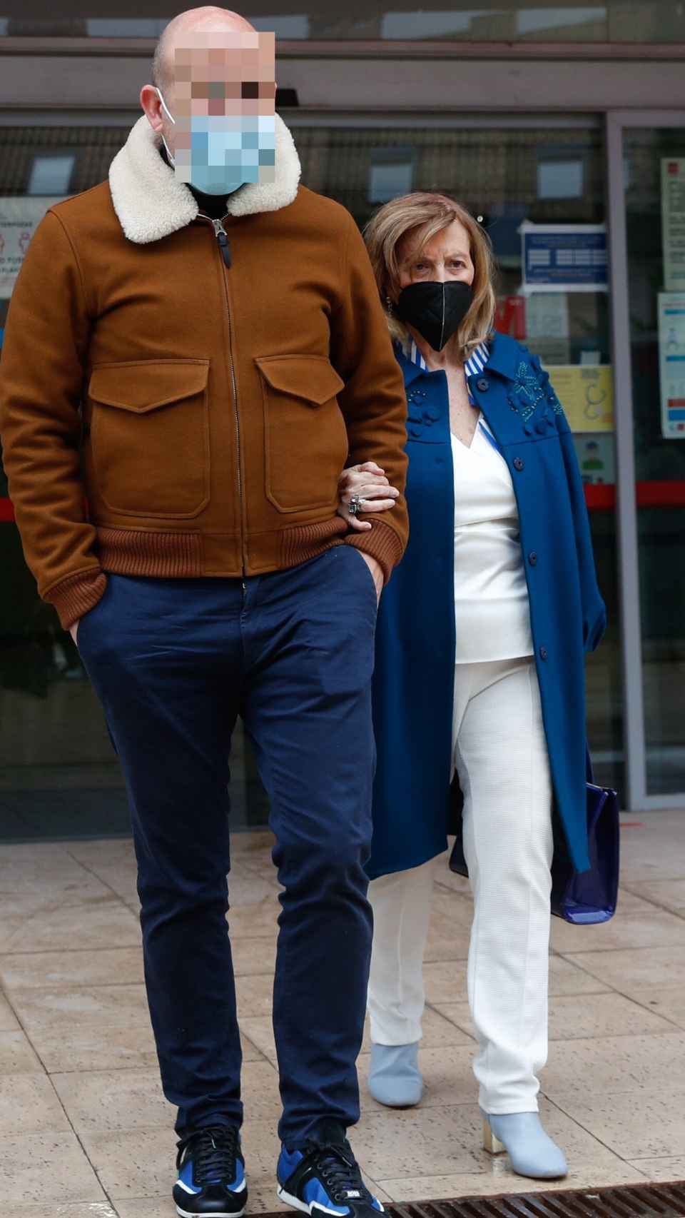 Teresa Campos junto a Gustavo tras vacunarse de una de las dosis contra la Covid.