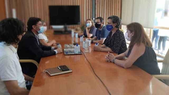 El alcalde y la vicealcaldesa de Alicante, reunidos con hoteleros, hosteleros y ocio.