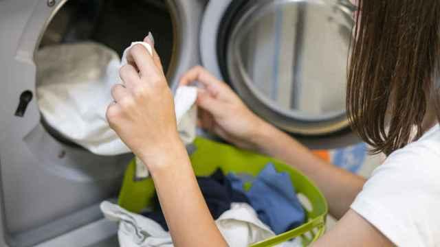 Cómo quitar manchas de grasa de la ropa