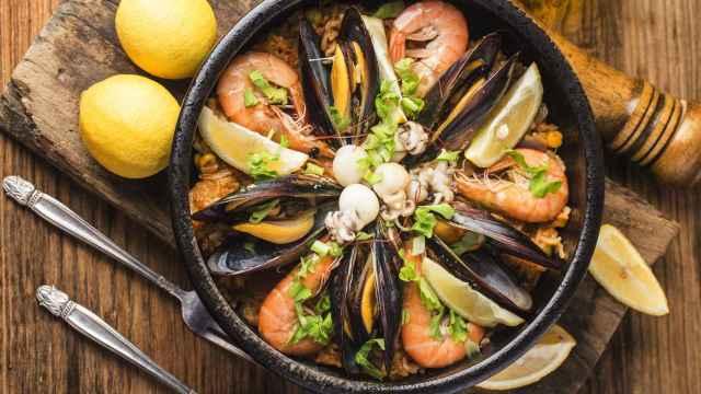 Cómo hacer una paella de marisco fácil y rápido