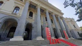 El Palacio de la Bolsa de Madrid recibe a LLYC como cotizada en BME Growth.