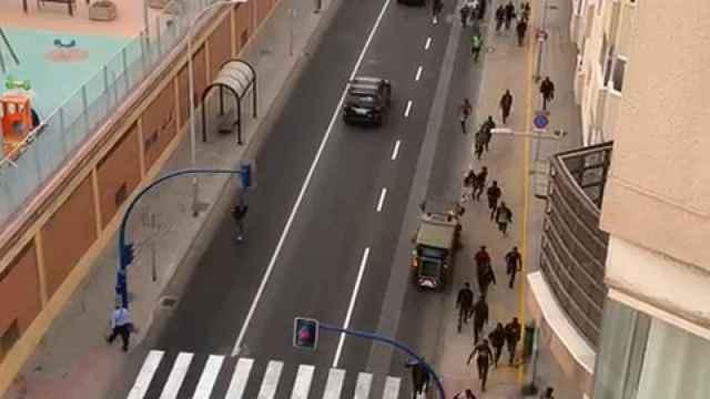 238 inmigrantes subsaharianos corren por Melilla tras saltar la valla.
