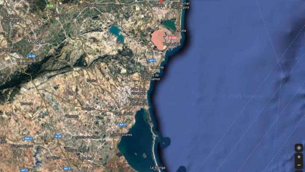Imagen aérea desde Guardamar hasta La Manga (Murcia).