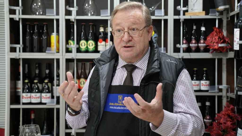 El analista Carlos Gómez explica que las cervezas estilo IPA son, siempre, más amargas.