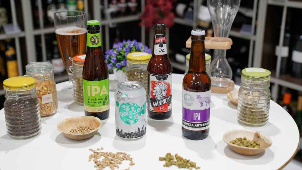 Las cuatro cervezas estilo IPA de los supermercados testadas en la cata.