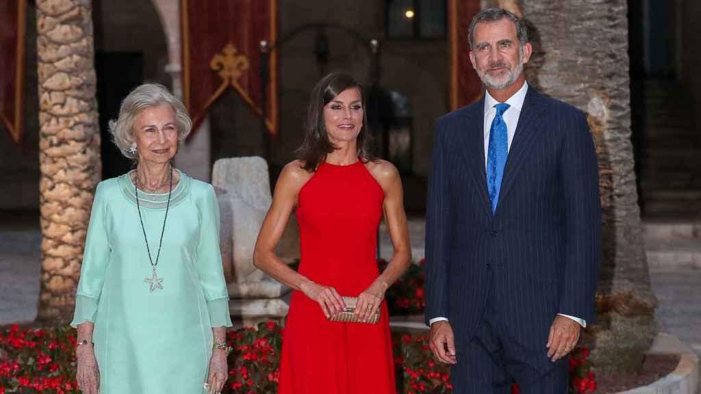 Los Reyes y la Reina emérita en la recepción de la Almudaina 2019.