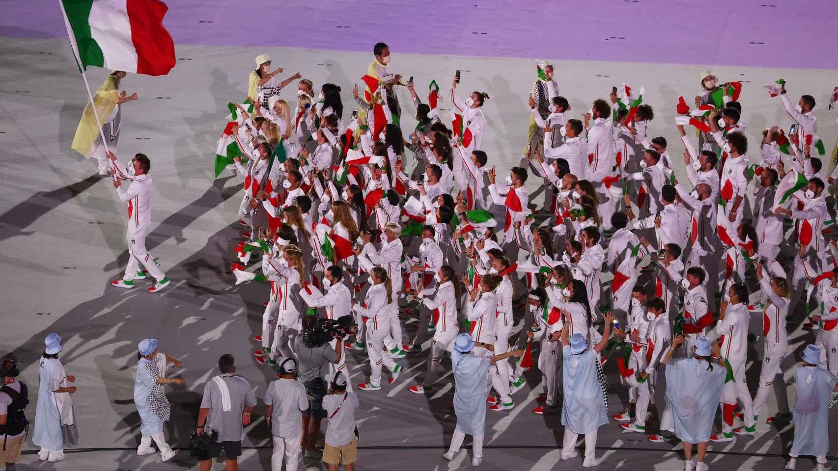 Italia en el desfile de naciones de la ceremonia de apertura de los JJOO de Tokio 2020