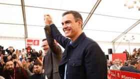 El líder del PSOE Pedro Sánchez junto al secretario general de los socialistas murcianos, Diego Conesa.
