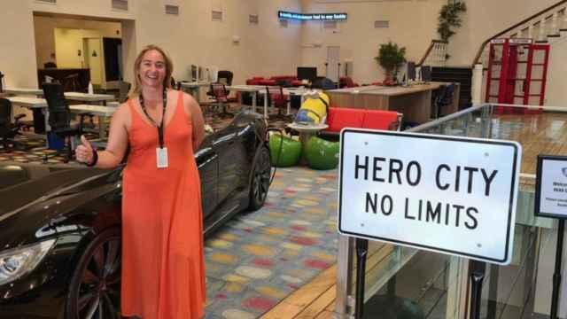 La emprendedora Cristina Martín posa en Hero City (Draper University).