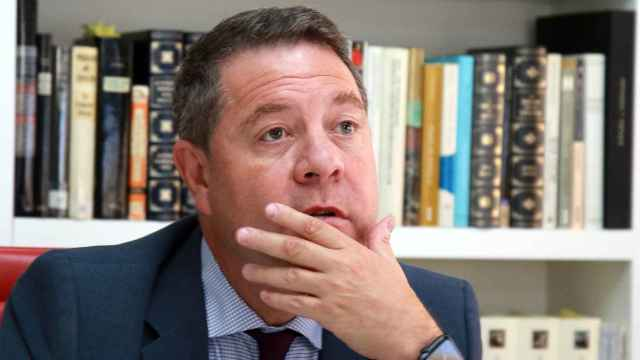 Emiliano García-Page atiende a EL ESPAÑOL.