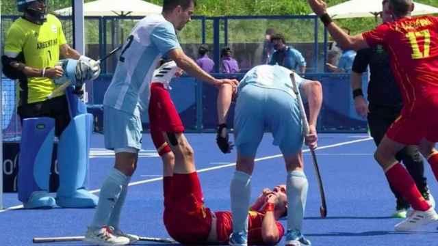 Las imágenes de la jornada del sábado 24 de julio de los JJOO: la agresión a David Alegre durante el Argentina - España