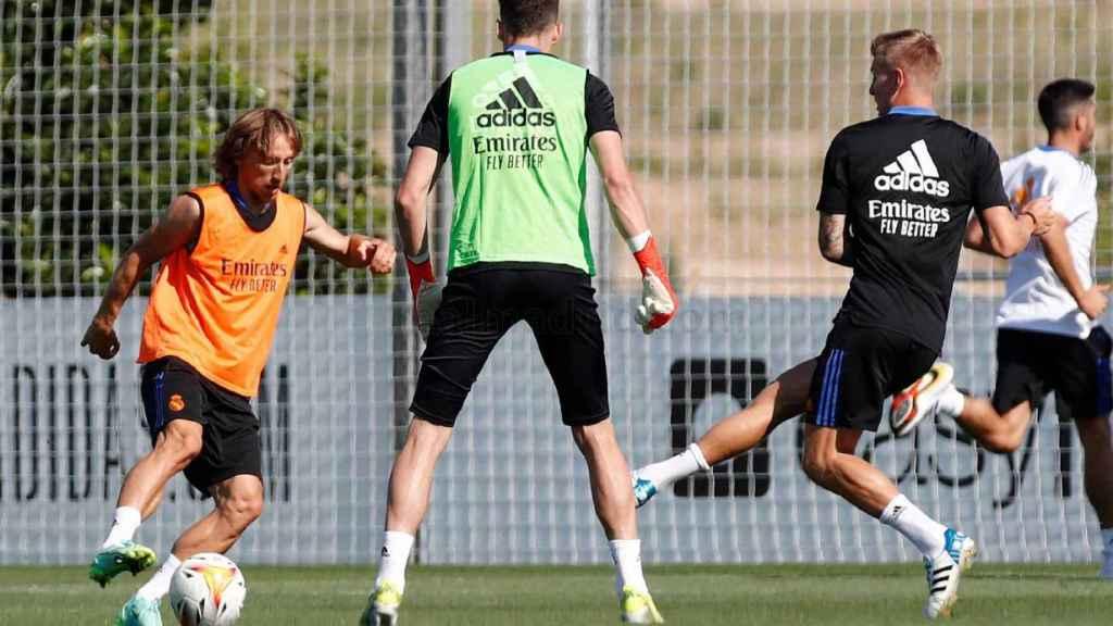 Modric entrenándose con el Real Madrid