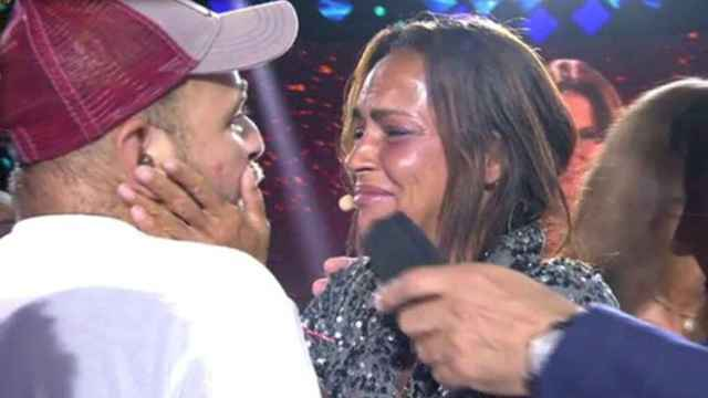 Violencia vicaria en prime time: Telecinco saca pecho del abrazo del hijo de Rocío Carrasco con Olga Moreno