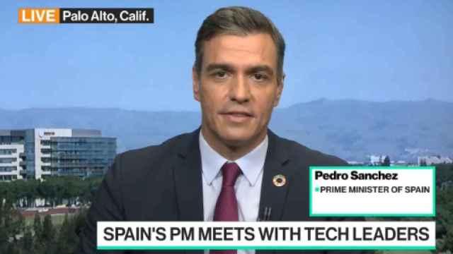 El presidente del Gobierno, Pedro Sánchez, aparece este viernes en Blommberg TV.