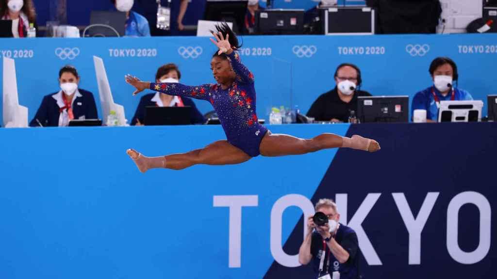 Simone Biles, en acción en los Juegos Olímpicos de Tokio 2020