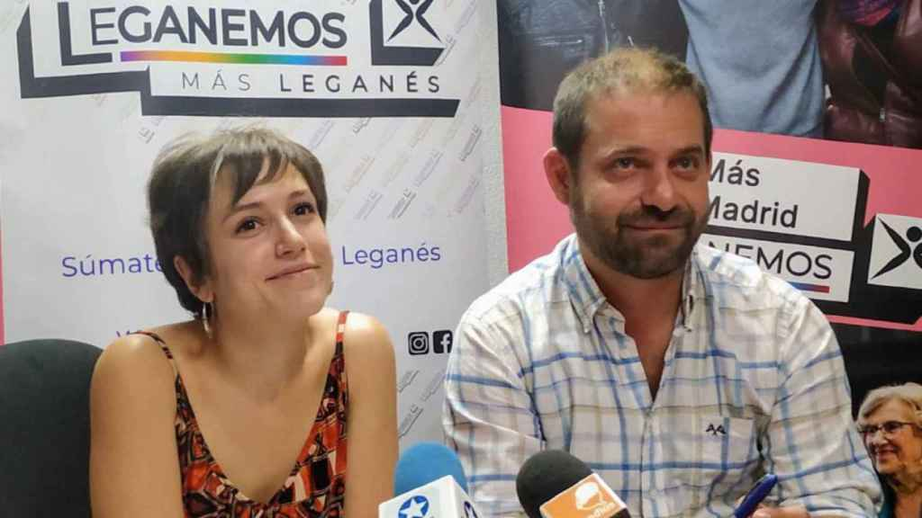 Eva Martínez y Fran Muñoz, en una comparecencia de prensa.