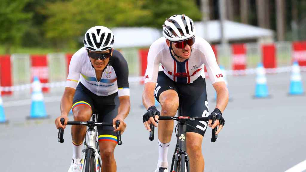 Carapaz lanza su ataque a McNulty en los Juegos Olímpicos de Tokio 2020