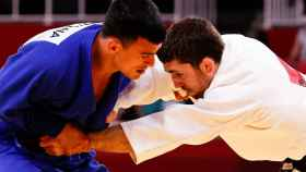 Alberto Gaitero compitiendo en judo en los JJOO de Tokio 2020
