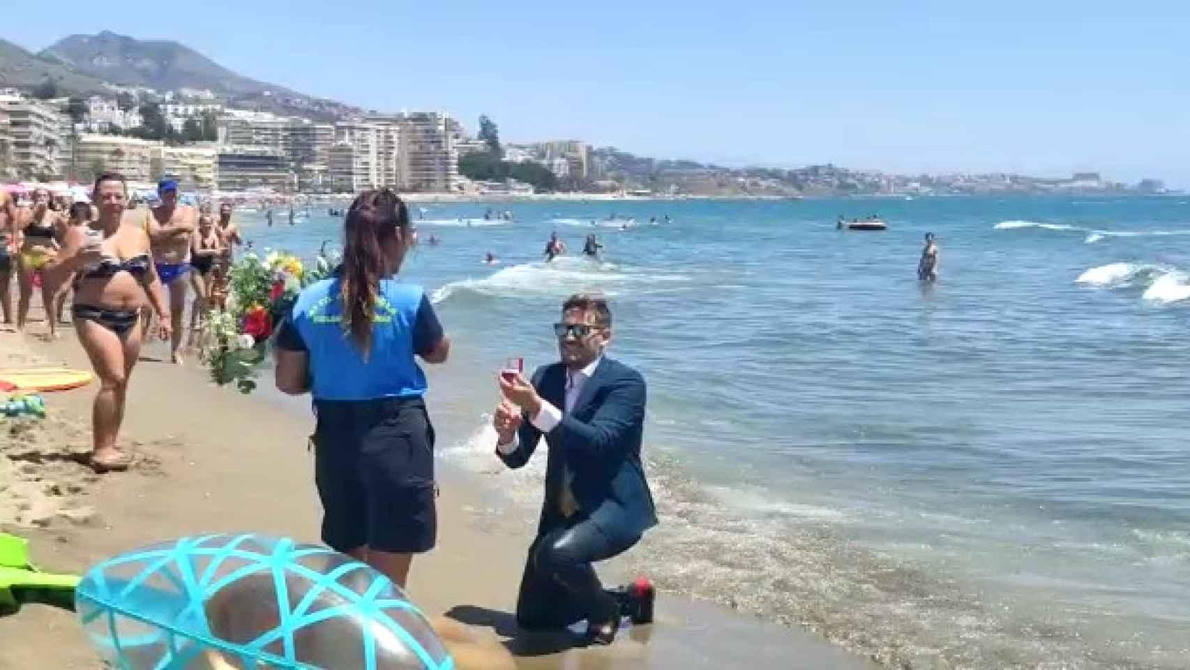 Pedida a pie de playa en Fuengirola (Málaga)