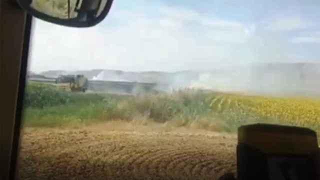 Los agricultores hicieron frente al incendio con sus propios recursos