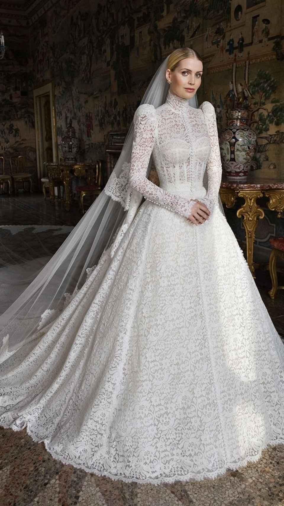 El diseño está inspirado en el que llevó su madre en la boda con Charles Spencer.