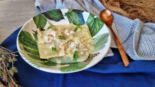 Ravioli de trufa con salsa de limón y cangrejo, una receta rápida