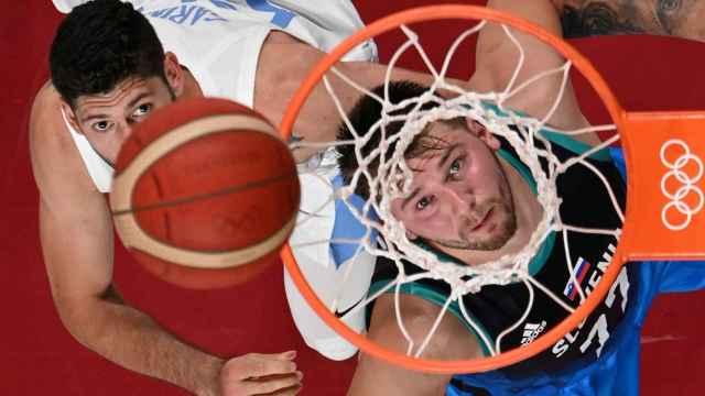 Luka Doncic durante el Eslovenia - Argentina