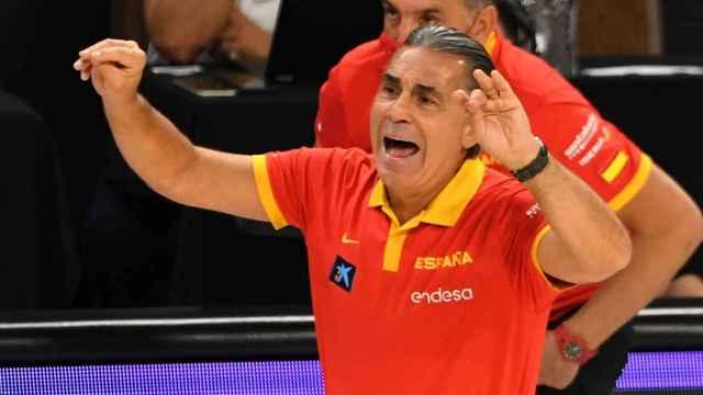 Sergio Scariolo, dirigiendo a la Selección