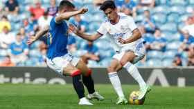 Miguel Gutiérrez en el partido contra el Glasgow Rangers