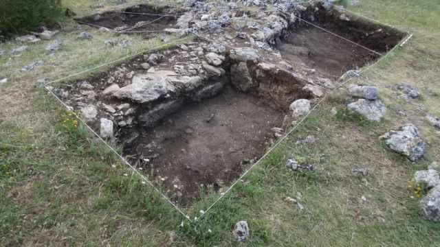 Imágenes del día este lunes en CLM: excavaciones arqueológicas, libros, rutas...