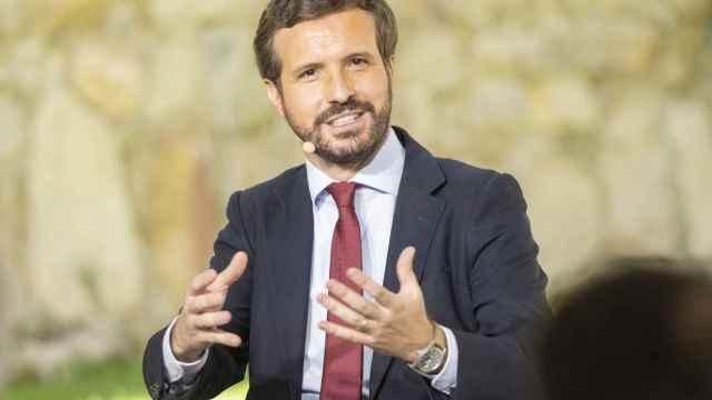 El presidente nacional del Partido Popular, Pablo Casado, participa en una mesa redonda celebrada en Ávila el pasado 19 de julio.
