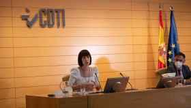 La ministra de Ciencia e Innovación, Diana Morant, y el director del CDTI, Javier Ponce.