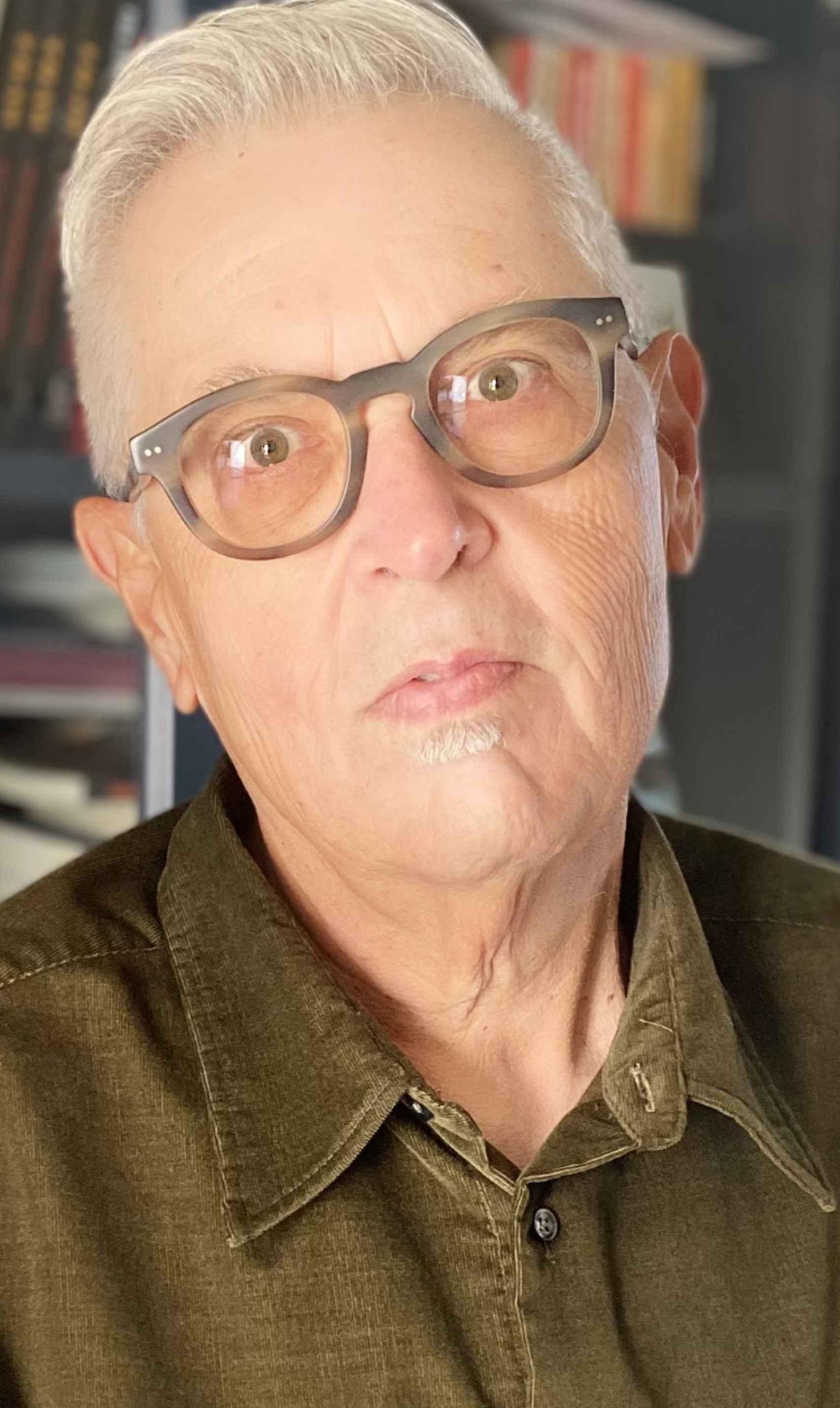 Una foto del poeta cubano Víctor Rodríguez Núñez.