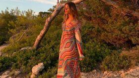 Sara Baceiredo, con el colorido vestido de Zara.
