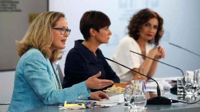La vicepresidenta Nadia Calviño durante el Consejo de Ministros.