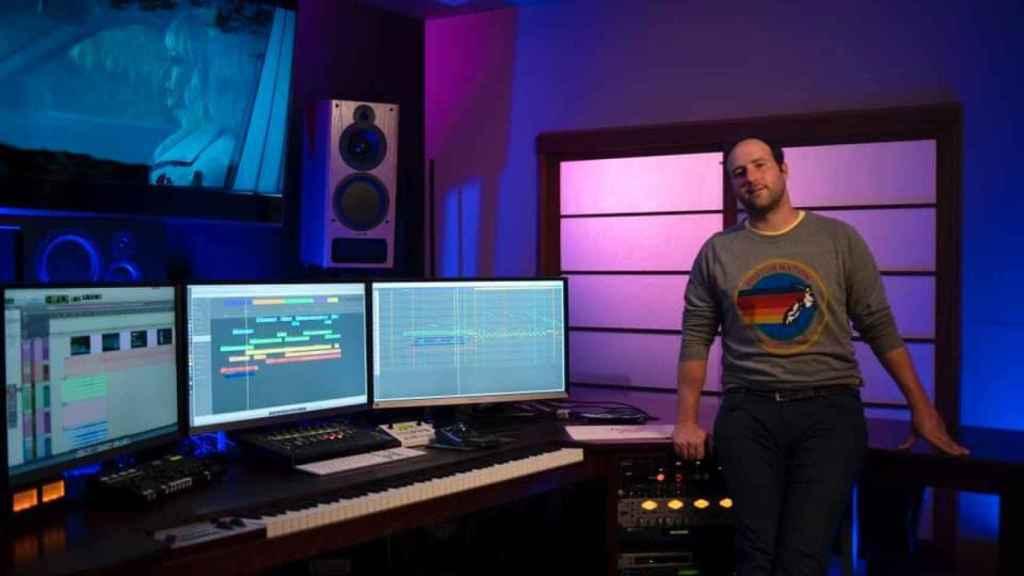 Anthony Willis es el compositor de la banda sonora de 'Una joven prometedora'.