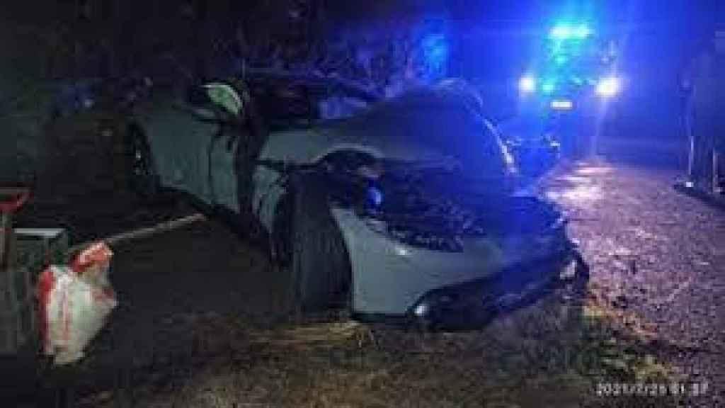 El Aston Martin de Salva tras el accidente