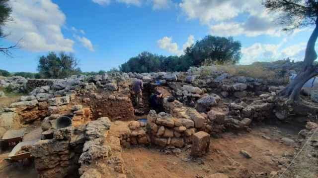 Los investigadores de la UA han encontrado en el yacimiento materiales en muy buen estado que revelan los rituales mágicos de los soldados romanos.