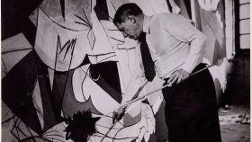 La exposición presenta fotografías de Maar y nuevos documentales sobre la creación del 'Guernica'  y sus viajes.