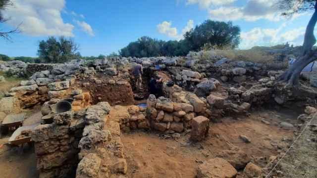 Vista genérica de la excavación en el yacimiento de Son Catlar.